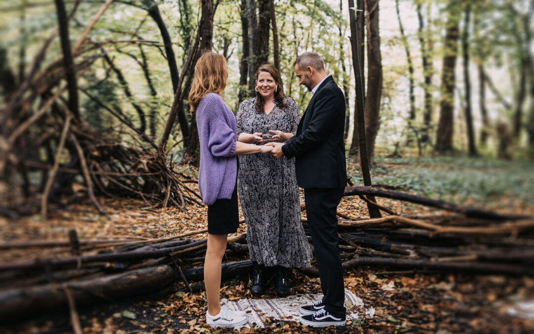 SURPRISE ELOPEMENT IM HÜRTHER WALD